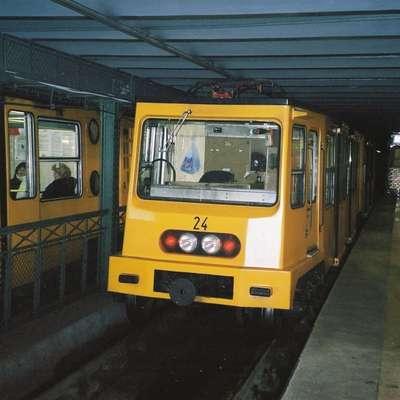 Brezplačni deodoranti za potnike dunajske podzemne železnice