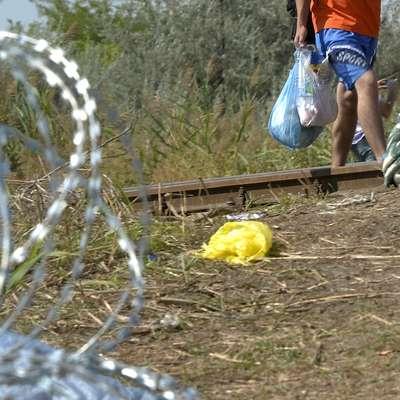Na Hrvaškem razburja katoliški duhovnik, ki je svoje župljane  pozval, naj ne pomagajo migrantom. Foto: STA