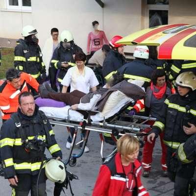 V požaru doma starejših občanov v Črnomlju več poškodovanih