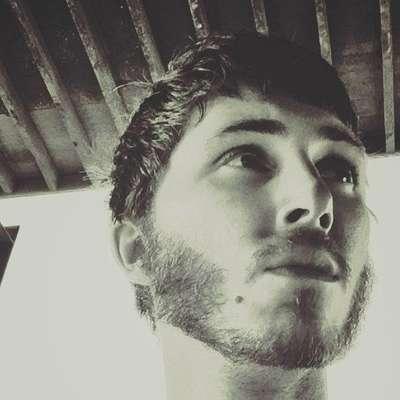 Mladi tržaški glasbenik Jacopo Starini, ki ga je minuli četrtek obšla  slabost, je v soboto umrl v bolnišnici. Foto: Vir: FB
