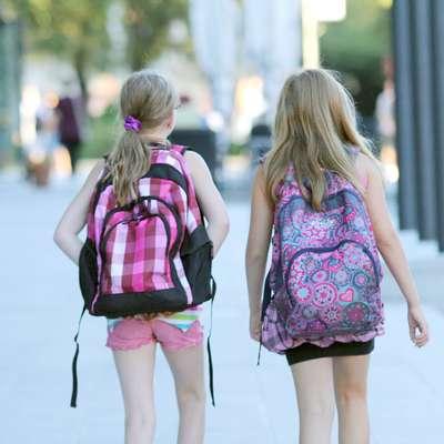 Za spremstvo prvošolca na prvi šolski dan javnim uslužbencem ne bo več treba jemati dopusta