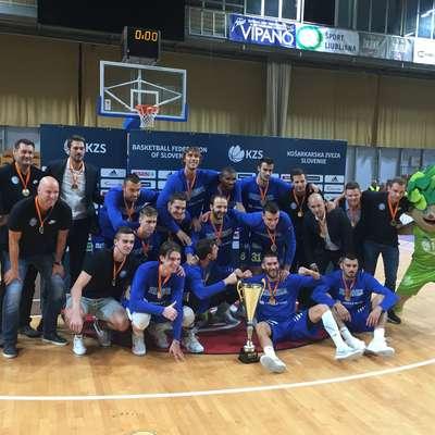 V regionalni košarkarski ligi je  Primorska po sedmih tekmah še  naprej neporažena in na prvem mestu. Foto: Simon Maljevac