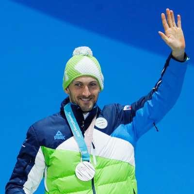 Jakov Fak s srebrno medaljo Foto: Sta