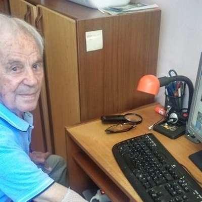 Anton Gregorić iz Rabca, za domače barba Toni, je zelo vitalen  upokojenec, ki je včeraj slavil svoj 99. rojstni dan. Foto: Vir: Glas Istre