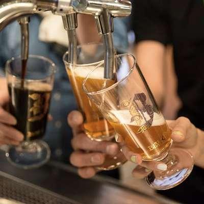 Raziskava je pokazala, da lahko od pet do deset pijač skrajša  življenje posameznika za do pol leta. Foto: Nina Krivec Rudolf