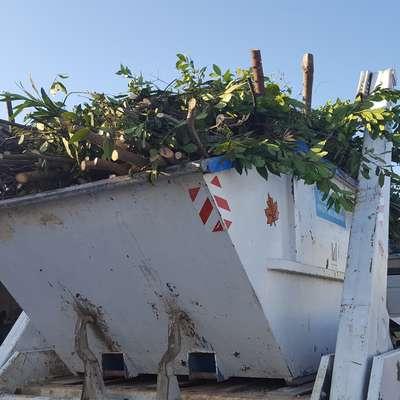 Zaradi velikega povpraševanja je na zabojnike za zeleni rez v Izoli  treba čakati do dva tedna. Foto: Komunala Izola