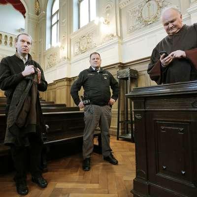 Ivanu Radanu sodijo zaradi štirih umorov in kaznivih dejanj na  nevrološki kliniki UKC Ljubljana. Foto: STA