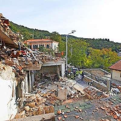 V Borštu je eksplozija, ki je danes ob 8.10 raznesla dvonadstropno hišo. Foto: Primorski dnevnik/Fotodamj@n