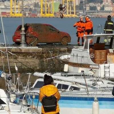 V Miljah je danes potekala obsežna reševalna akcija v morju. Foto: Vir: Primorski dnevnik