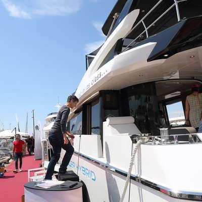 Poglede še danes privablja več kot 200 plovil