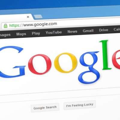 Googlu zaradi kršenja konkurenčnih pravil EU rekordnih 4,3 milijarde evrov kazni