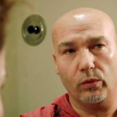 V nedeljski oddaji Le Iene je Tržačan Roberto povedal zgodbo o  ponesrečeni operaciji, ki jo je na njegovem stopalu izvedel kirurg  s Parkinsonovo boleznijo.  Foto: iene.mediaset.it