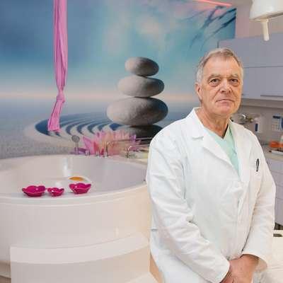 Aleksander Merlo, izkušeni ginekolog in porodničar iz Postojne. Foto: Leo Caharija