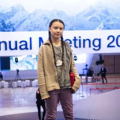 Greta Ernman Thunberg, švedska najstniška okoljska aktivistka, je  nase opozorila avgusta lani, ko je začela s tedenskimi protesti pred  parlamentom v Stockholmu. Od države zahteva ukrepanje v boju  proti podnebnim spremembam in pri tem doslej še ni odnehala. Foto: Sta