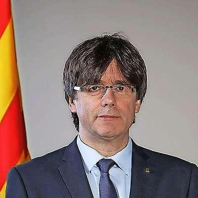 Katalonski regionalni voditelj Carles Puigdemont je podpisal  deklaracijo o neodvisnosti Katalonije, a je pozval k odložitvi  razglasitve neodvisnosti za nekaj tednov, da bi rešitev iskali v  dialogu z Madridom. Foto: Wikipedia