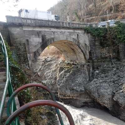Arhitekti so za nov most namenoma zasnovali štiri različice, dve sta sprejemljivi. Foto: Neva Blazetič