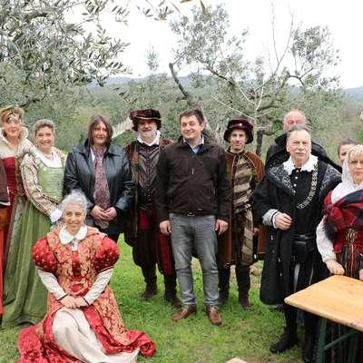 Predstavniki Občine Vipava so se v Vinciju udeležili tradicionalnega praznovanja ob rojstnem dnevu Leonarda da Vincija. Foto: Iris Skočaj