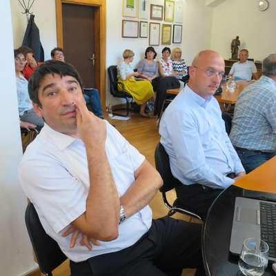 Direktor Komunale Beno Fekonja (levo) se je na svetu občine znašel v neprijetnem položaju, ker je  s kratkoročnim posojilom družbi zagotovil nemoteno delo. Foto: Saša Dragoš