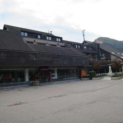 S prenovo hotela Cerkno se bo blagovnica iz njega poslovila. Foto: Saša Dragoš