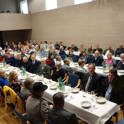 Člani so z gosti včeraj visoko obletnico praznovali v Vrtojbi.  Foto: Mitja Marussig