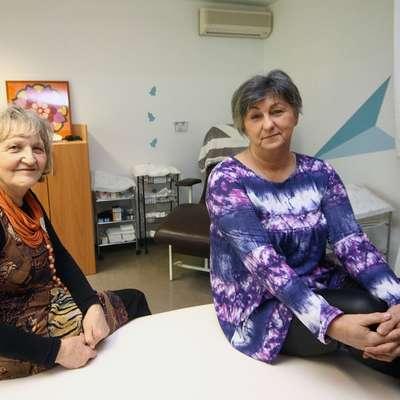 Ana Jug in Lilijana Remec (z leve) se bosta za status humanitarne organizacije morali še boriti. Foto: Leo Caharija