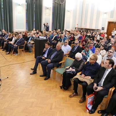Predsednik Igor Miljavec (levo) je med najbolj zaslužnimi za zelo  uspešno delo v zadnjih letih.  Foto: Leo Caharija