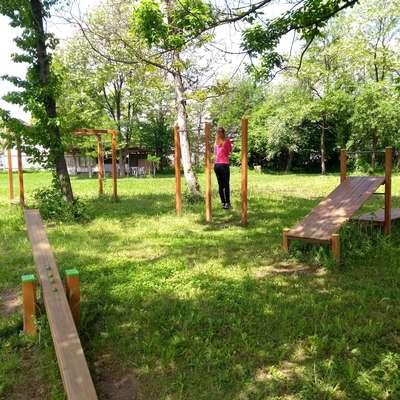 Med že izvedenimi projekti je vadbišče v Volčji Dragi na prizorišču  Lakeness.  Foto: Mitja Marussig