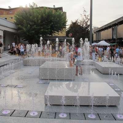 Osrednje prizorišče sobotnega prazničnega dogajanja bo Bevkov  trg. Foto: Mitja Marussig