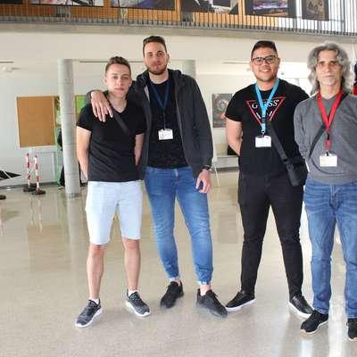 Dijaki Alen Mujkić, Andraž Grgič in Armin Mašič ter mentor  Aleksander Pohlen s Srednje tehniške šole Koper (z leve) Foto: Alenka Penjak