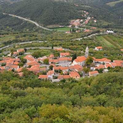 Gabrovica in nekatere vasi se želijo odcepiti od KS Črni Kal