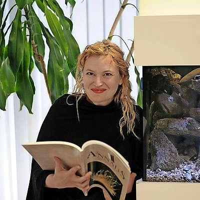 Ana Rotter, mikrobiologinja z doktoratom iz statistike,  bo bdela nad izvajanjem projekta na  Morski biološki postaji Piran. Primorci se je še spomnijo, ko je bila v igri za osebnost   Primorske leta 2015. Foto: Tihomir Makovec