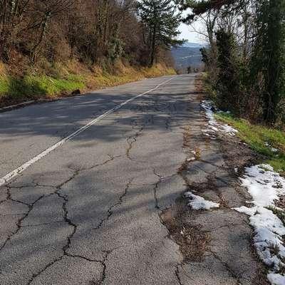 Sanirali bodo poškodbe na cestah v zaledju
