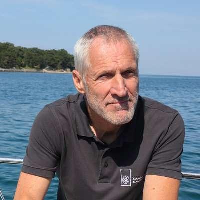 Glede posegov  v morje je naravovarstvenik Robert  Turk pristaš  logike manj je več. Foto: Tomaž Primožic/FPA