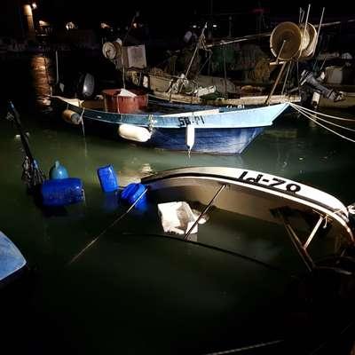 Zakaj je ribiško dvigalo pristalo v portoroški marini?