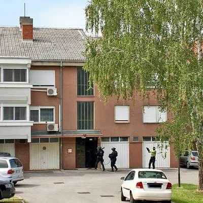 Novogoriški kriminalisti so  opravili 16 hišnih preiskav prostorov in  avtov in pet osebnih preiskav.