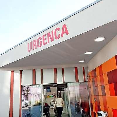 Novogoričan je najprej z nožem grozil v urgentnem centru,  zatem pa je vstopil še v prostore intenzivnega oddelka v  sosednji bolnišnični stavbi. Foto: Leo Caharija