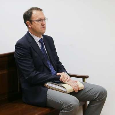 Pulmolog Damjan Birtič očitkov iz obtožnice ne priznava, saj meni,  da je pacienta Petrovića zdravil skladno z doktrino. Foto: Leo Caharija