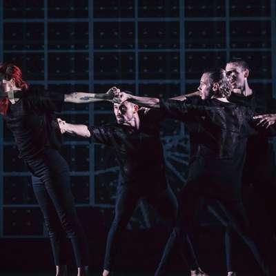 Peterica profesionalnih plesalcev z različnih koncev Evrope bo na odru oživila simboliko  labirinta.   Foto: Urška Boljkovac