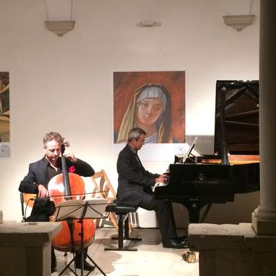 Izjemen duet violončelista Marca Coppeyja in pianista Frédérica  Lagard
