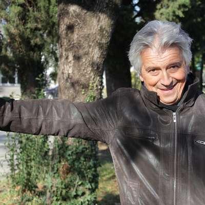 """""""V Izoli se imam lepo. Zanimivo, tam sem imel prve koncerte,  celo prej kot doma v Novi Gorici. Nikoli nisem bil del goriške  scene."""" Foto: Andraž Gombač"""