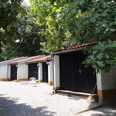 Počitniški dom notranjega ministrstva na Debelem rtiču ostajajo  rezervirane za prosilce za mednarodno zaščito.  Foto: Zdravko Primožič/FPA