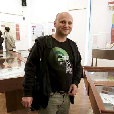 Idejni oče  portala Fran je jezikoslovec dr. Kozma Ahačič, ki so  ga bralci  časopisa Delo pred nekaj dnevi  razglasili za  osebnost leta 2017.  Foto: Andraž Gombač
