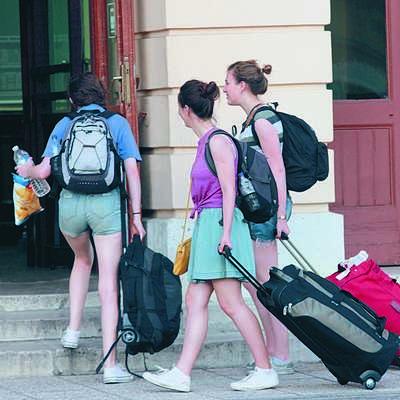 Evropska unija bo 15.000 osemnajstletnikom podarila  vozovnice  za potovanje po Evropi.  Foto: Leo Caharija