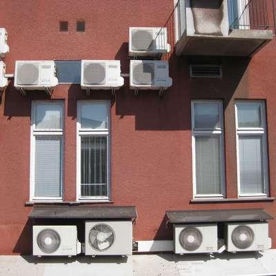 Delovanje klimatskih naprav  poveča porabo pri  gospodinjskih   odjemalcih za pet odstotkov. Foto: Helena Race