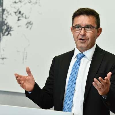 Komisija za nadzor javnih financ je priporočila računskemu  sodišču, naj opravi izredno revizijo podeljevanja testnih frekvenc  5G Foto: Tamino Petelinsek/STA