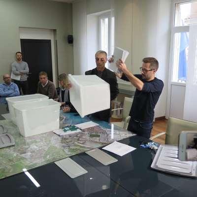Občinska volilna komisija bo danes odločala o Popovičevi pritožbi. Foto: STA