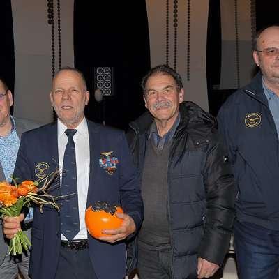 Osebnost Primorske 2017 Benjamin Ličer v družbi kolegov iz Obalnega letalskega centra (z leve): Claudio Del Giusto, Ivan  Grzetič in Amedeo Žigon Foto: Zdravko Primožič/FPA