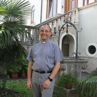 Generalni vikar koprske škofije Slavko Rebec pravi, da gre pri  kadrovanju v cerkvi za to, da človeške vire kar najbolje uskladiš s  potrebami.  Foto: Veronika Rupnik Ženko