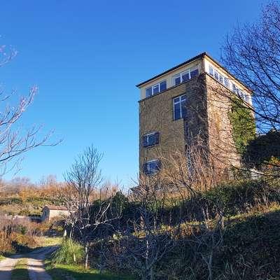 Obrambni stolp v Glemu Foto: Nataša Hlaj