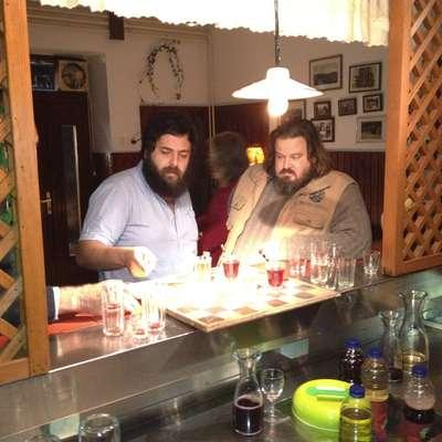 Matteo Oleotto (levo) med snemanjem filma Zoran, moj nečak idiot iz leta 2013, bo tokrat snemal  TV nadaljevanko.